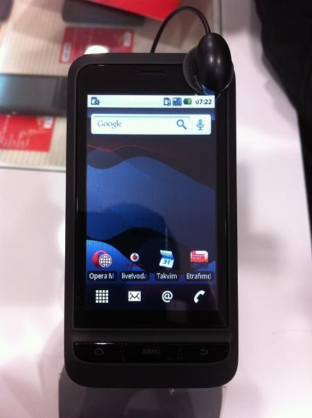 """Vodafone, Android'li akıllı telefonu """"Vodafone 945""""i Türkiye'de satışa sunuyor"""