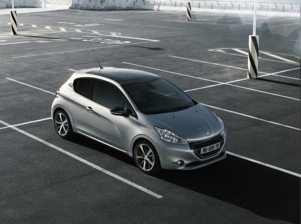 Peugeot 208 gün ışığına çıktı