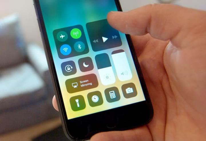 iPhone Batarya kaynaklı yavaşlanma ile ilgili Tim Cook önemli açıklama (güç yönetimi) geliyor