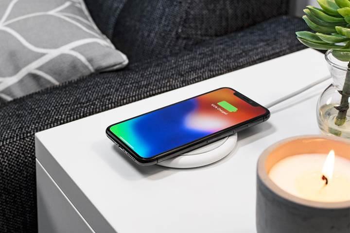 iPhone, Mophie her telefona uyumlu kablosuz şarj adaptörü hazırladı