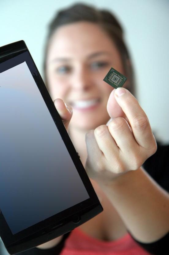 sandiskissd01 dh fx57 - SanDisk d�nyan�n en k���k SSD s�r�c�s�n� duyurdu