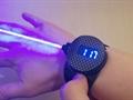 Amatör bir girişimci lazer ışını entegreli bir saat geliştirdi