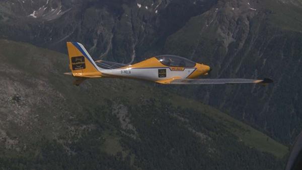 Elektra One Solar, Alp dağlarını iki taraftan da geçmeyi başardı