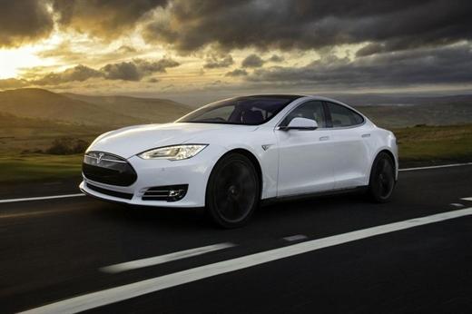 Yeni Tesla Model S 100 üzerinden 103 puan aldı
