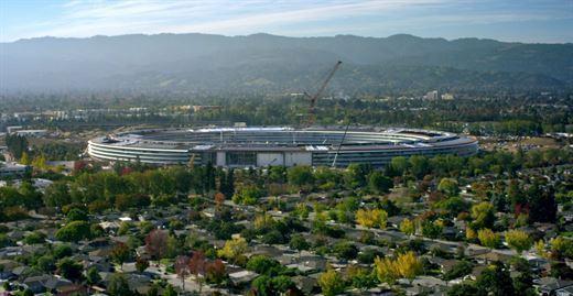 """Apple merakla beklenen yeni kampüsünü tanıttı: Karşınızda """"Apple Park"""""""