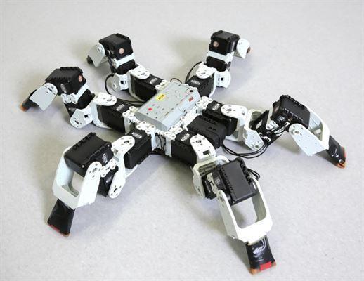 Gerçeğinden çok daha hızlı robot örümcek