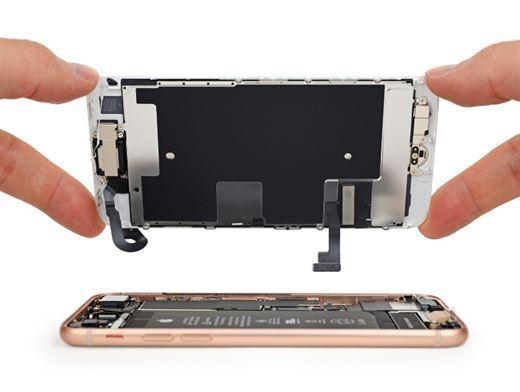 iPhone 8 parçalarına ayrıldı ve tamir edilebilirlik puanı belli oldu