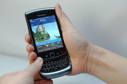 [Resim: blackberry9800-touch.jpg]