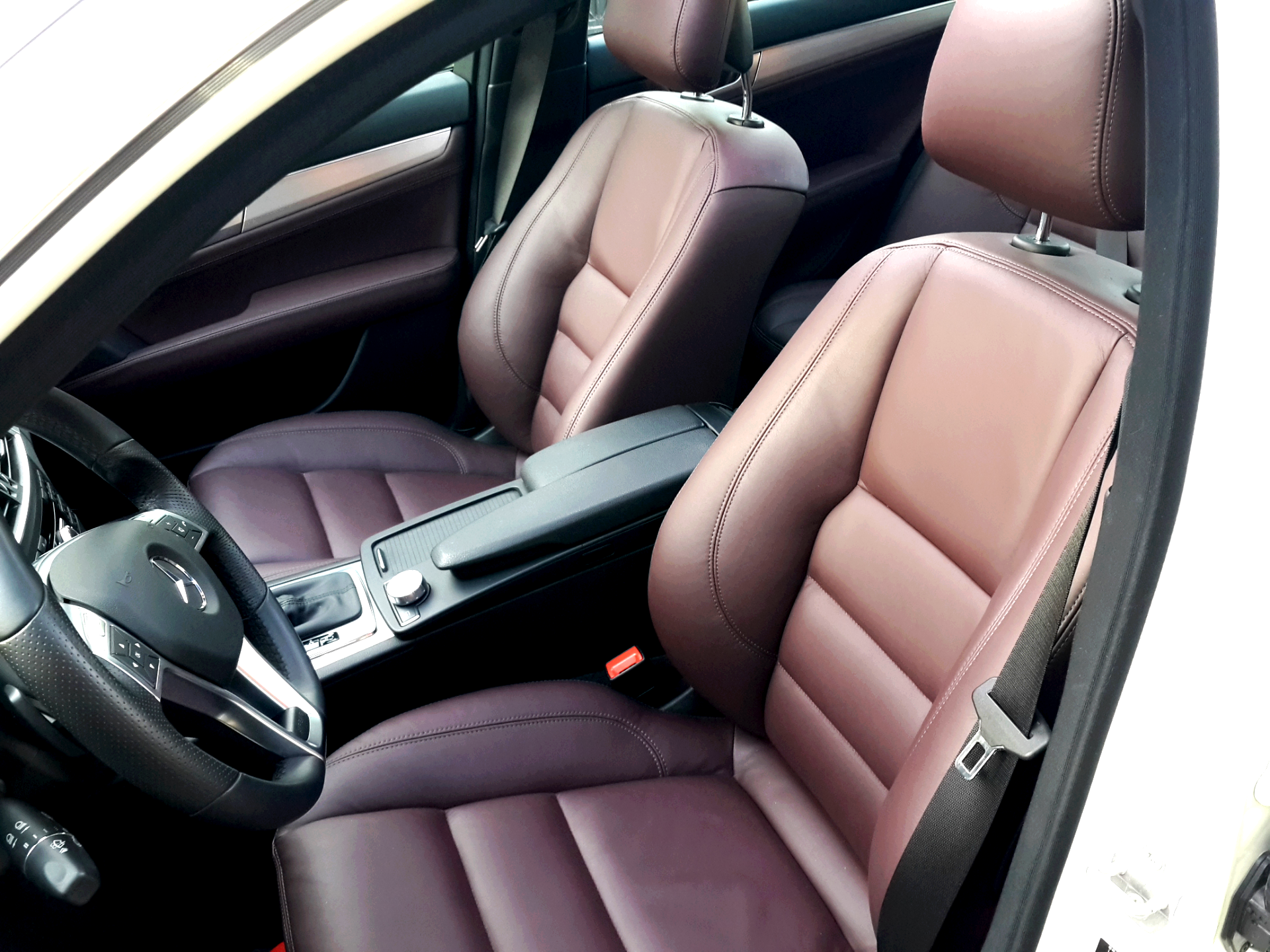 2012 w204 c amg package leather retrim mbclub uk bringing together mercedes enthusiasts. Black Bedroom Furniture Sets. Home Design Ideas